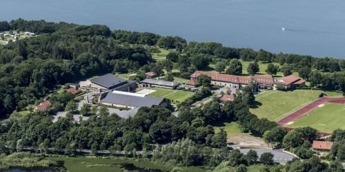Luftfoto af højskolen